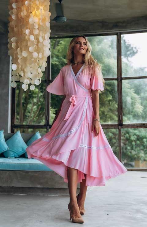 Платье миди розовое купить
