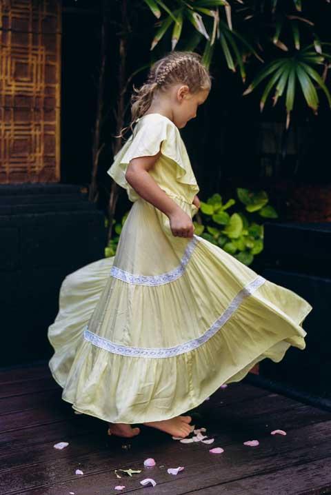 купить длинное желтое платье для девочки